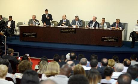 Salvador amplia orçamento para a saúde mesmo com crise